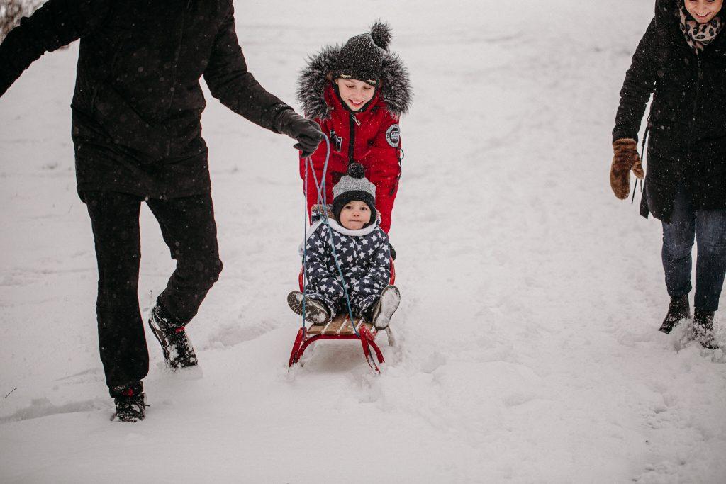 rodzinna sesja zimowa chelm 3 1024x683 - Justyna i Kamil z dziećmi – zimowa sesja rodzinna