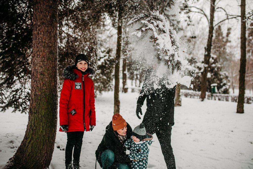 rodzinna sesja zimowa chelm 34 1024x683 - Justyna i Kamil z dziećmi – zimowa sesja rodzinna