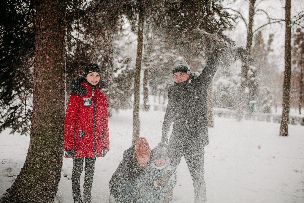 rodzinna sesja zimowa chelm 35 1024x683 - Justyna i Kamil z dziećmi – zimowa sesja rodzinna