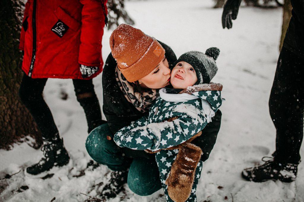 rodzinna sesja zimowa chelm 37 1024x683 - Justyna i Kamil z dziećmi – zimowa sesja rodzinna