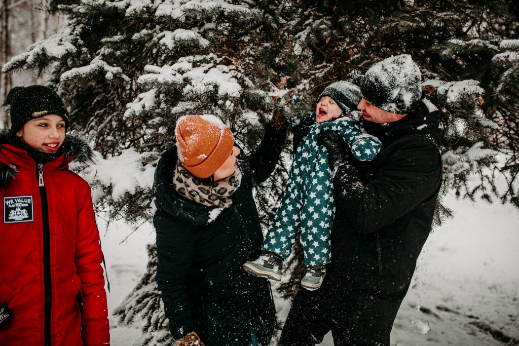 rodzinna sesja zimowa chelm 41 1024x683 - Justyna i Kamil z dziećmi – zimowa sesja rodzinna