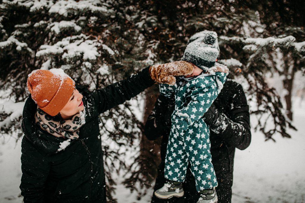 rodzinna sesja zimowa chelm 42 1024x683 - Justyna i Kamil z dziećmi – zimowa sesja rodzinna