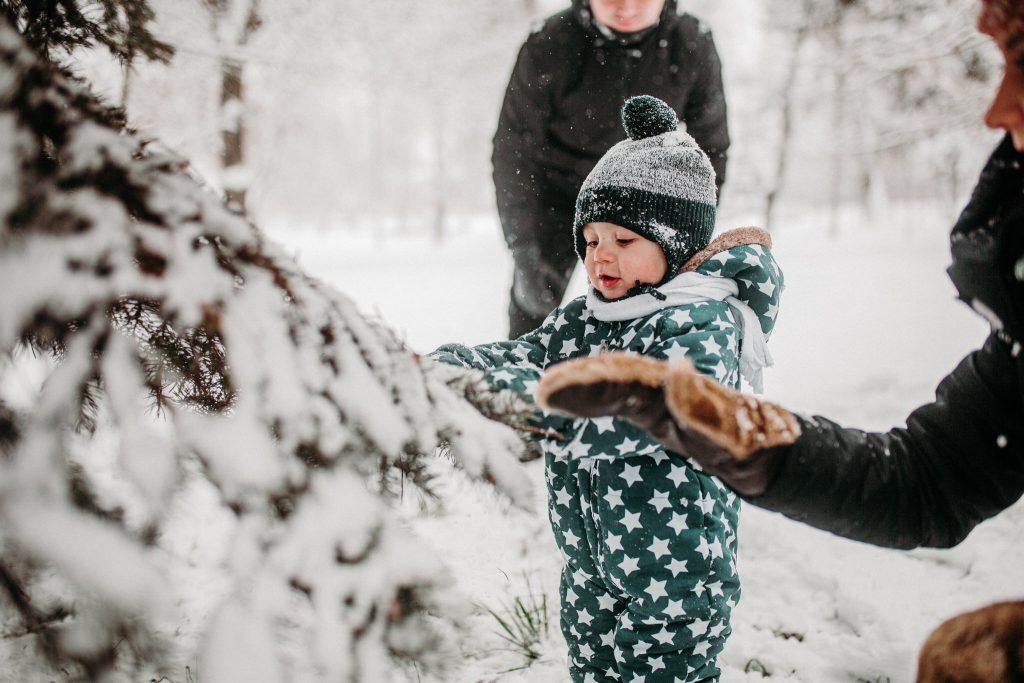rodzinna sesja zimowa chelm 43 1024x683 - Justyna i Kamil z dziećmi – zimowa sesja rodzinna