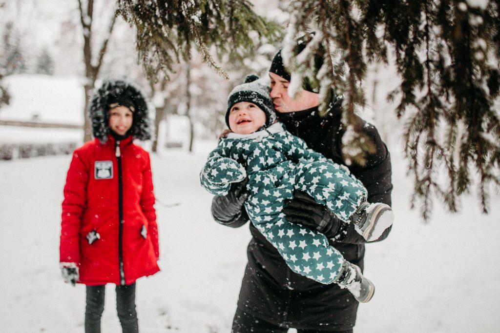 rodzinna sesja zimowa chelm 49 1024x683 - Justyna i Kamil z dziećmi – zimowa sesja rodzinna