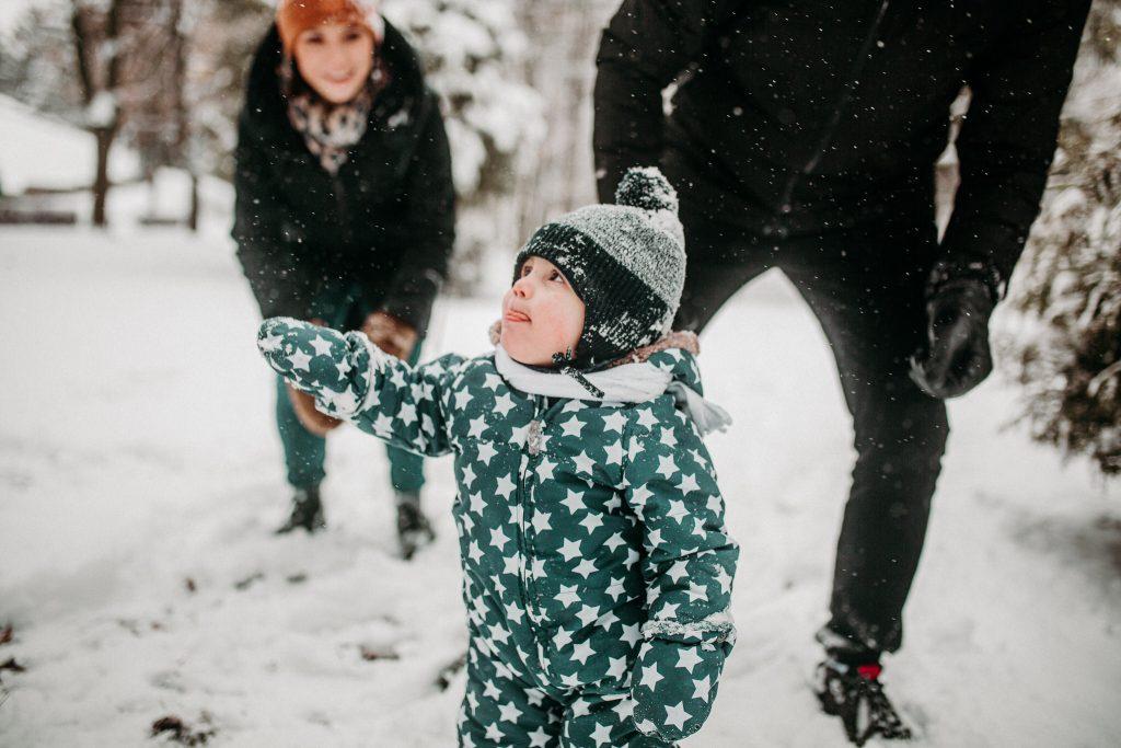 rodzinna sesja zimowa chelm 53 1024x683 - Justyna i Kamil z dziećmi – zimowa sesja rodzinna