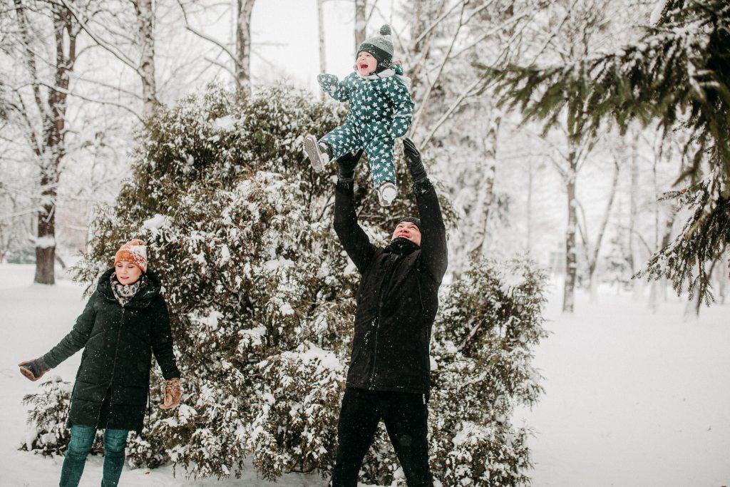 rodzinna sesja zimowa chelm 54 1024x683 - Justyna i Kamil z dziećmi – zimowa sesja rodzinna