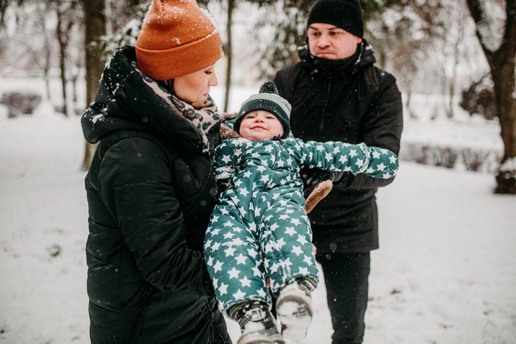 rodzinna sesja zimowa chelm 58 1024x683 - Justyna i Kamil z dziećmi – zimowa sesja rodzinna