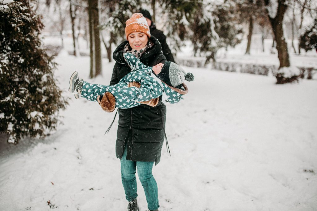 rodzinna sesja zimowa chelm 59 1024x683 - Justyna i Kamil z dziećmi – zimowa sesja rodzinna
