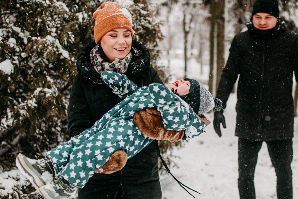 rodzinna sesja zimowa chelm 60 1024x683 - Justyna i Kamil z dziećmi – zimowa sesja rodzinna