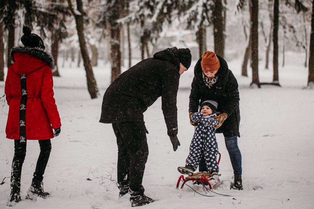 rodzinna sesja zimowa chelm 7 1024x683 - Justyna i Kamil z dziećmi – zimowa sesja rodzinna