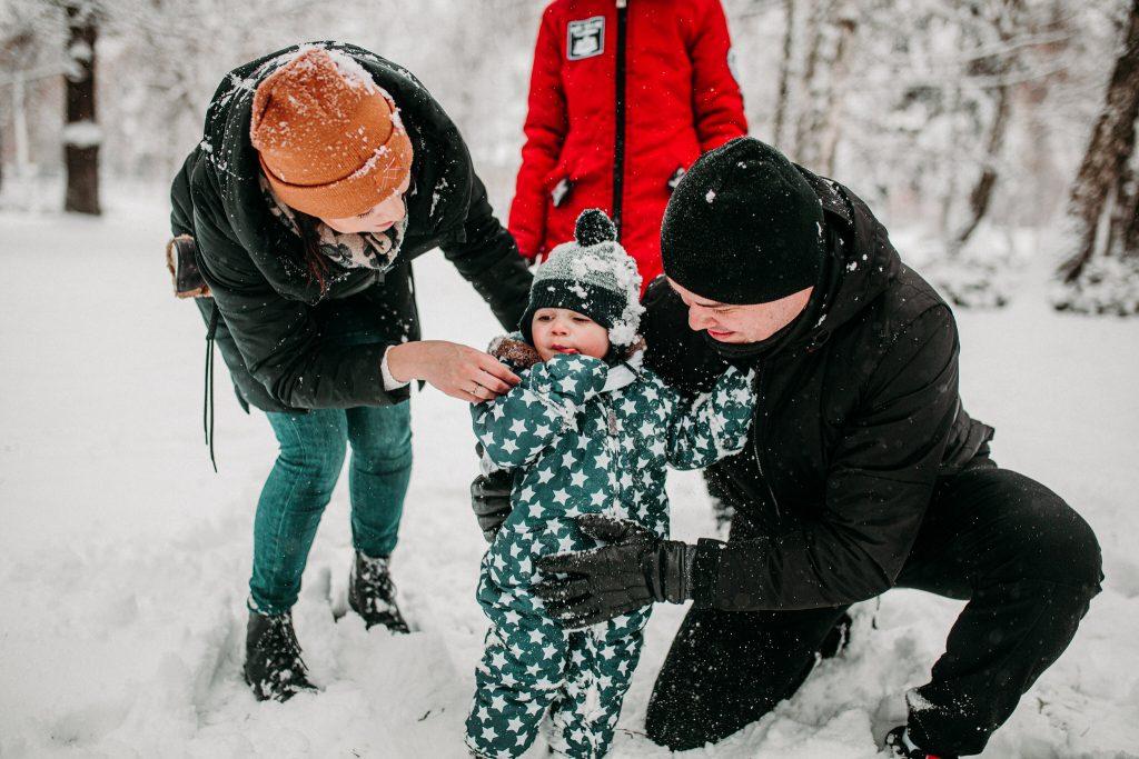 rodzinna sesja zimowa chelm 71 1024x683 - Justyna i Kamil z dziećmi – zimowa sesja rodzinna