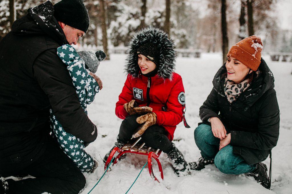 rodzinna sesja zimowa chelm 73 1024x683 - Justyna i Kamil z dziećmi – zimowa sesja rodzinna