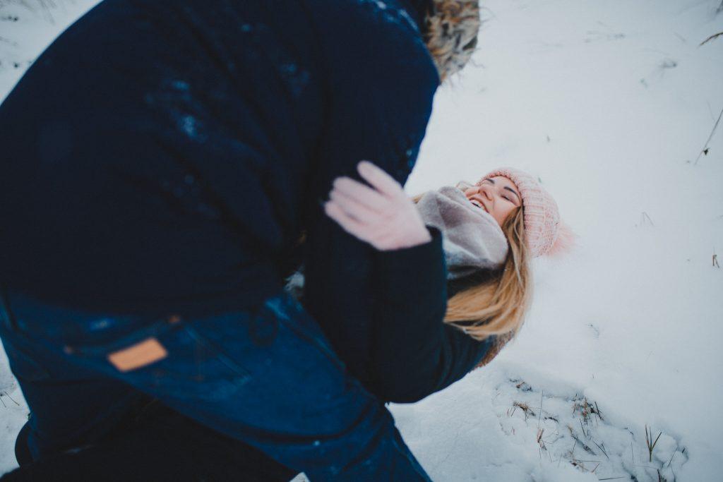zimowa sesja zakochanych kasia daniel 11 1024x683 - Sesja zimowa zakochanej pary - Kasia i Daniel | 17.01.2021