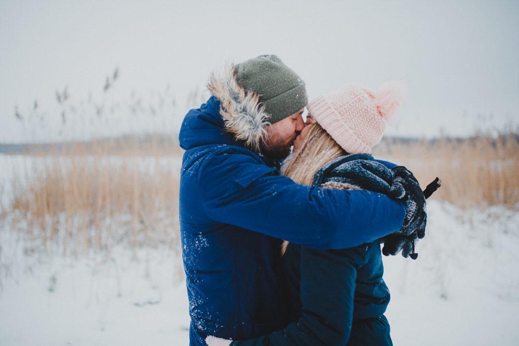 zimowa sesja zakochanych kasia daniel 7 1024x683 - Sesja zimowa zakochanej pary - Kasia i Daniel | 17.01.2021
