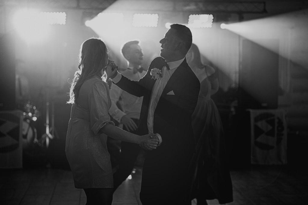 dominika jarek reportaz slubny zamosc krasnobrod 597 1024x683 - Ślub w Zamościu. Wesele w Krasnobrodzie | Dominika i Jarek | 29.05.2021