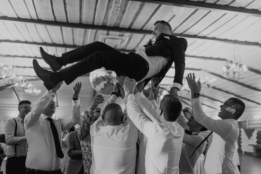 dominika jarek reportaz slubny zamosc krasnobrod 688 1024x683 - Ślub w Zamościu. Wesele w Krasnobrodzie | Dominika i Jarek | 29.05.2021