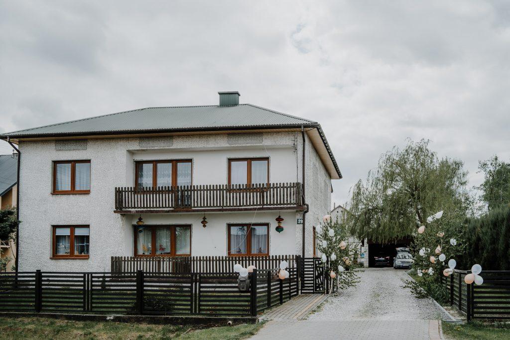 0 przygotowania marcin reportaz slubny lubelskie 1 1024x683 - Wesele w stodole Biłgoraj | 15.05.2021