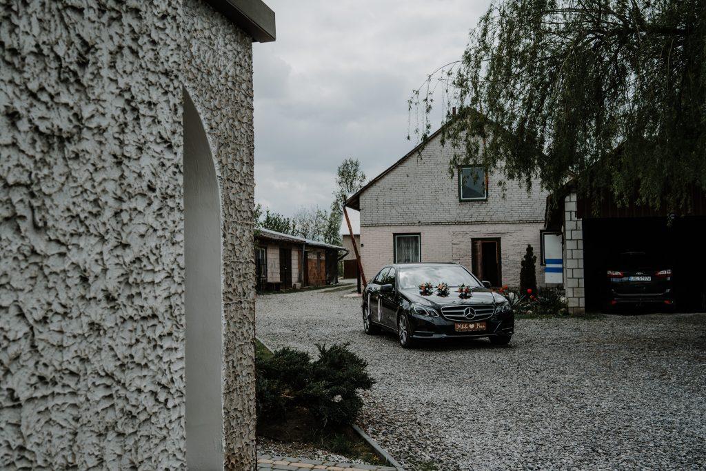 0 przygotowania marcin reportaz slubny lubelskie 4 1024x683 - Wesele w stodole Biłgoraj | 15.05.2021