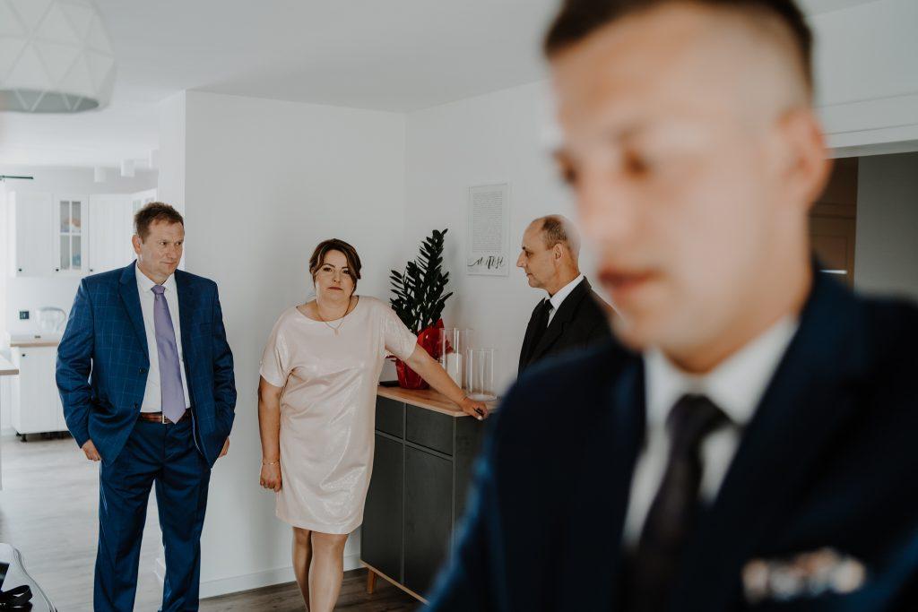 0 przygotowania marcin reportaz slubny lubelskie 40 1024x683 - Wesele w stodole Biłgoraj | 15.05.2021