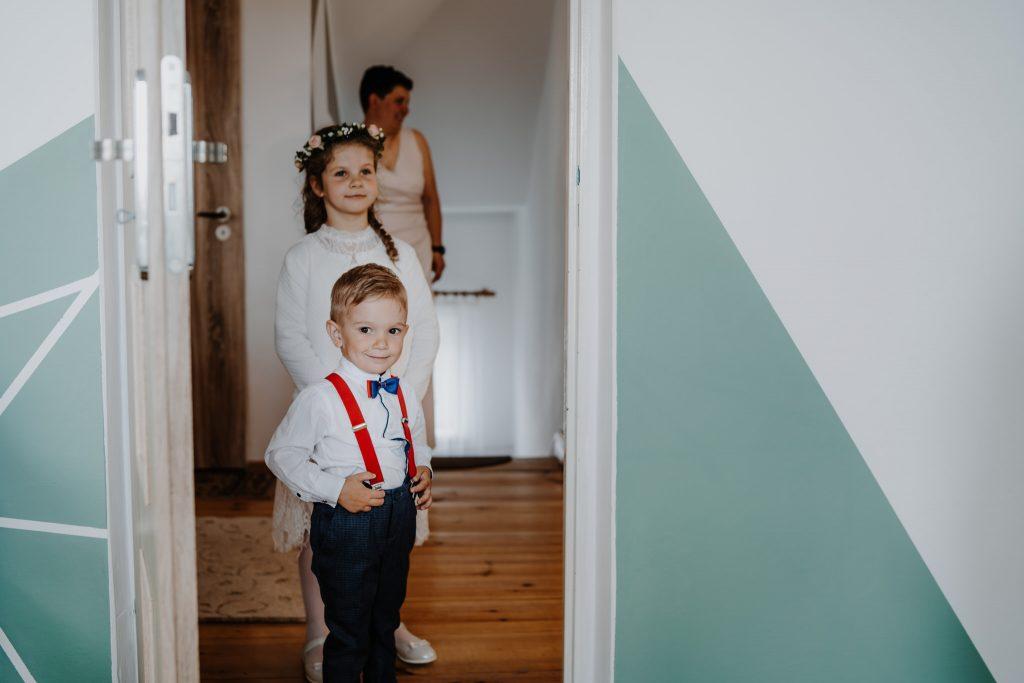 1 przygotowania agata reportaz slubny lubelskie 6 1024x683 - Wesele w stodole Biłgoraj | 15.05.2021