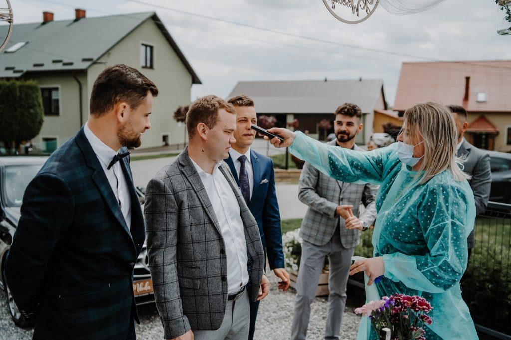 2 brama wykupiny firstlook reportaz slubny lubelskie 17 1024x683 - Wesele w stodole Biłgoraj | 15.05.2021