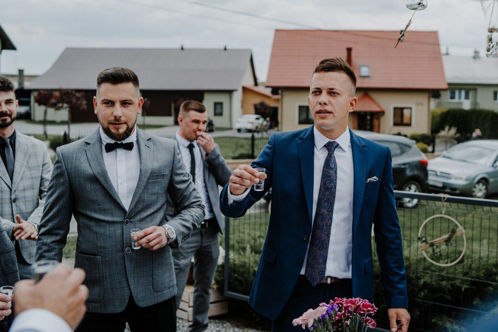 2 brama wykupiny firstlook reportaz slubny lubelskie 34 1024x683 - Wesele w stodole Biłgoraj | 15.05.2021