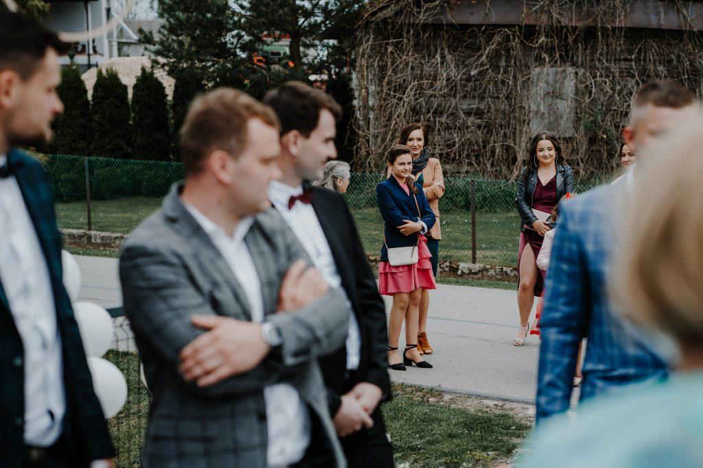 2 brama wykupiny firstlook reportaz slubny lubelskie 53 1024x683 - Wesele w stodole Biłgoraj | 15.05.2021