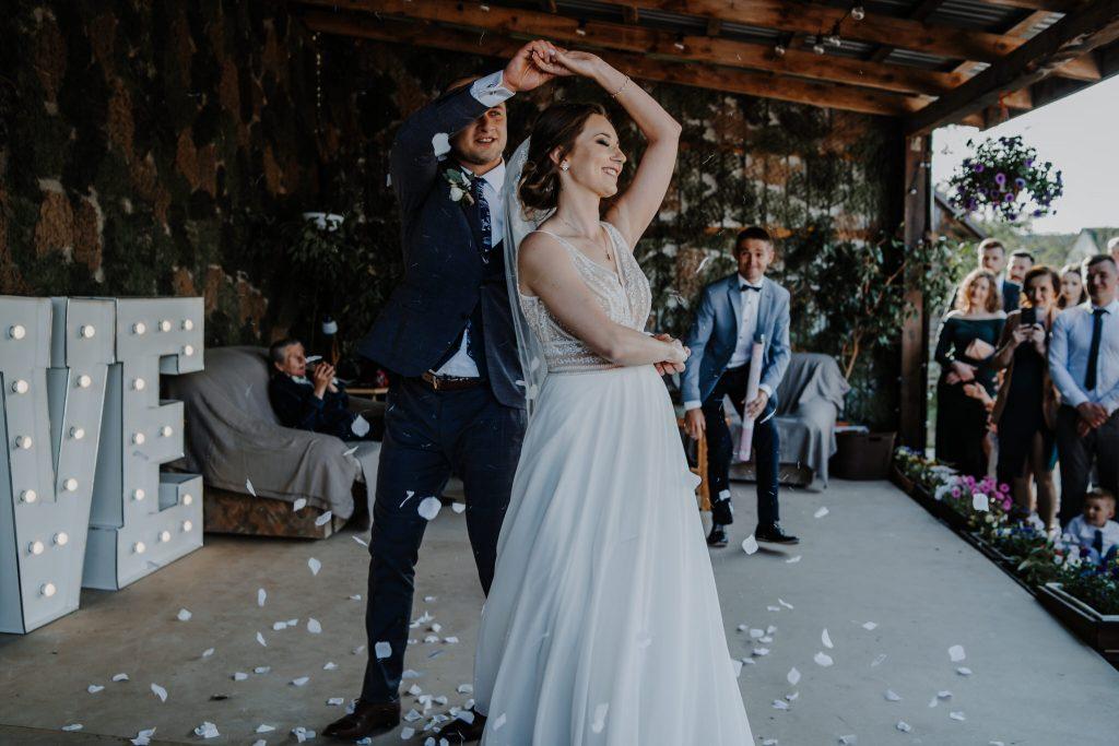 5 wesele rakowka reportaz slubny lubelskie 101 1024x683 - Wesele w stodole Biłgoraj | 15.05.2021