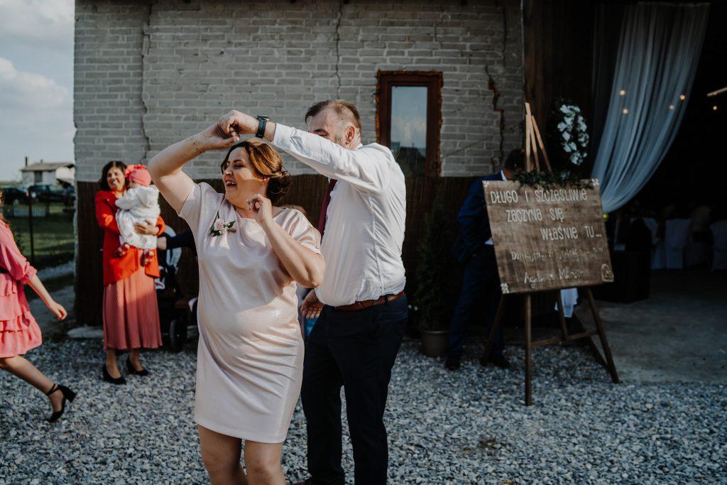 5 wesele rakowka reportaz slubny lubelskie 169 1024x683 - Wesele w stodole Biłgoraj | 15.05.2021