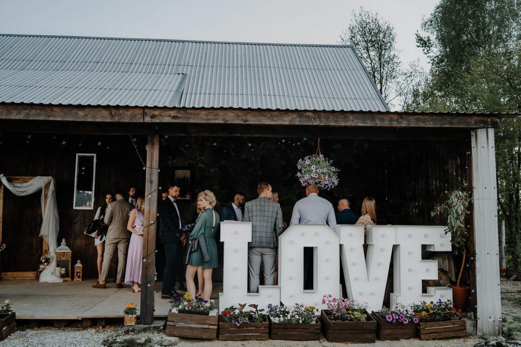 5 wesele rakowka reportaz slubny lubelskie 24 1024x683 - Wesele w stodole Biłgoraj | 15.05.2021