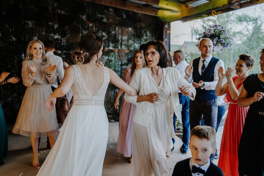 5 wesele rakowka reportaz slubny lubelskie 329 1024x683 - Wesele w stodole Biłgoraj | 15.05.2021