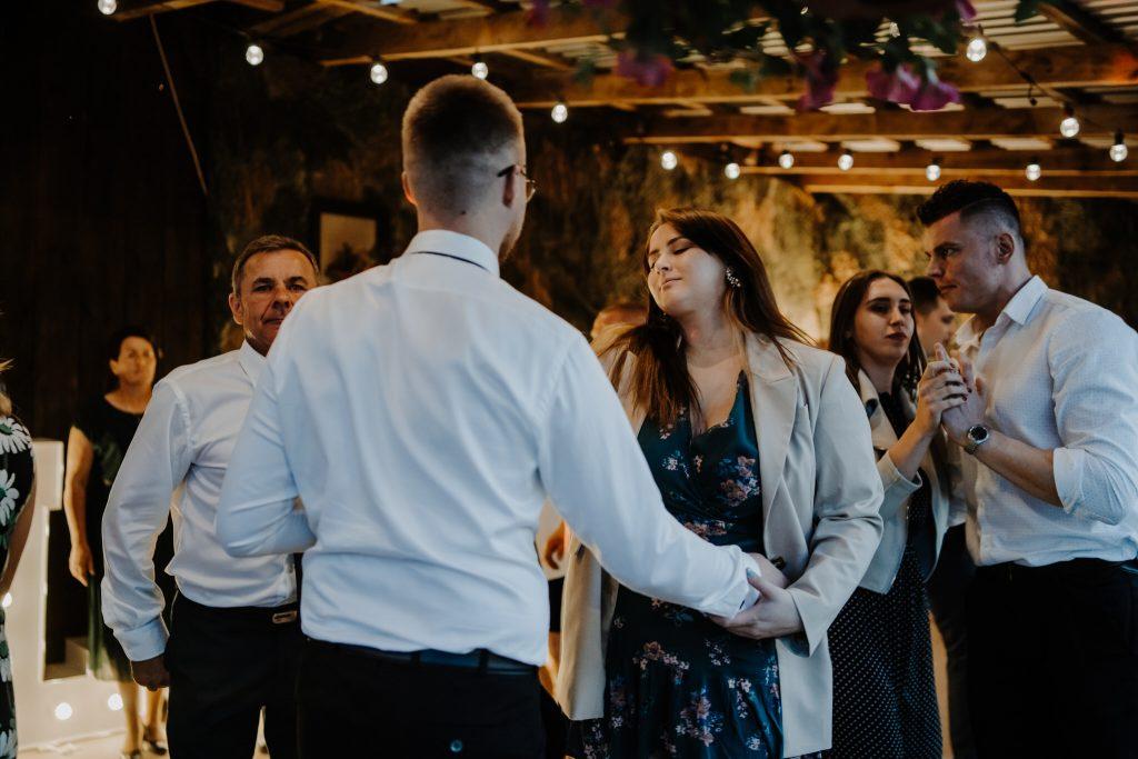 5 wesele rakowka reportaz slubny lubelskie 392 1024x683 - Wesele w stodole Biłgoraj | 15.05.2021