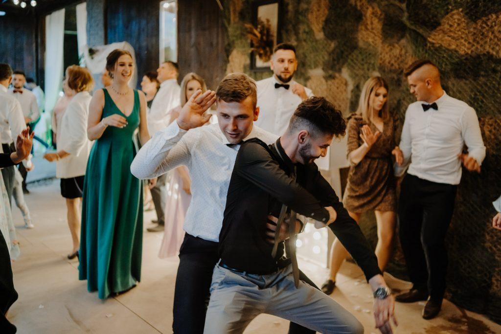 5 wesele rakowka reportaz slubny lubelskie 393 1024x683 - Wesele w stodole Biłgoraj | 15.05.2021
