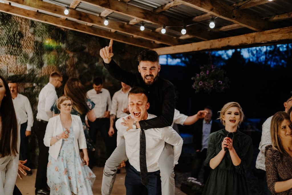 5 wesele rakowka reportaz slubny lubelskie 425 1024x683 - Wesele w stodole Biłgoraj | 15.05.2021