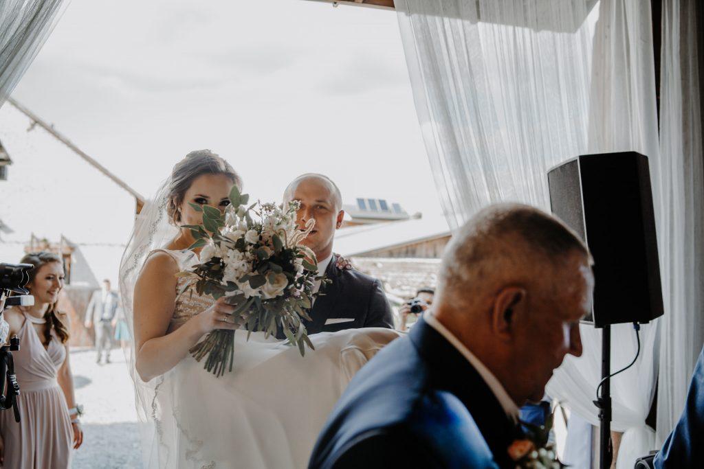 5 wesele rakowka reportaz slubny lubelskie 48 1024x683 - Wesele w stodole Biłgoraj | 15.05.2021