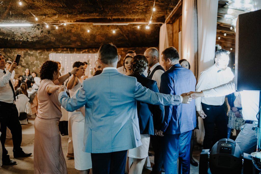 5 wesele rakowka reportaz slubny lubelskie 518 1024x683 - Wesele w stodole Biłgoraj | 15.05.2021
