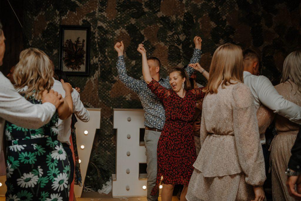 5 wesele rakowka reportaz slubny lubelskie 540 1024x683 - Wesele w stodole Biłgoraj | 15.05.2021