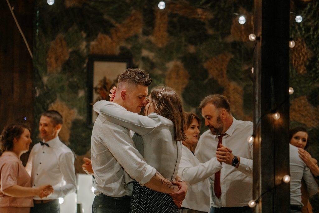 5 wesele rakowka reportaz slubny lubelskie 570 1024x683 - Wesele w stodole Biłgoraj | 15.05.2021