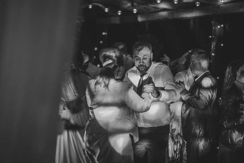 5 wesele rakowka reportaz slubny lubelskie 580 1024x683 - Wesele w stodole Biłgoraj | 15.05.2021