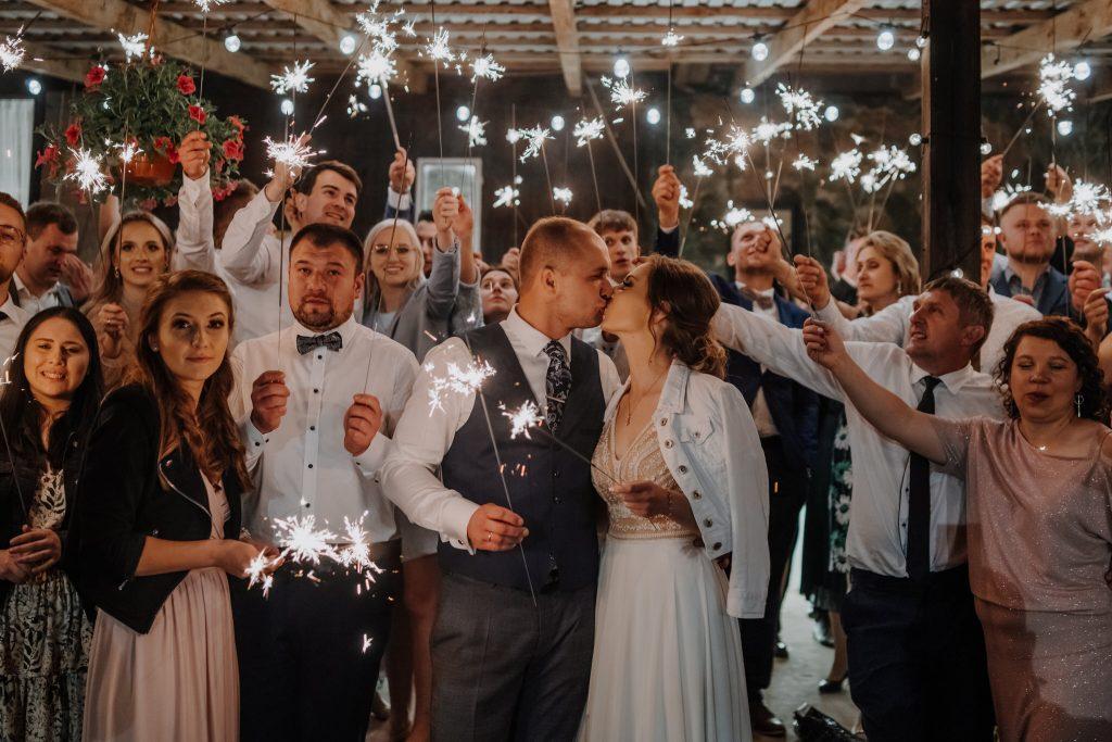 5 wesele rakowka reportaz slubny lubelskie 597 1024x683 - Wesele w stodole Biłgoraj | 15.05.2021