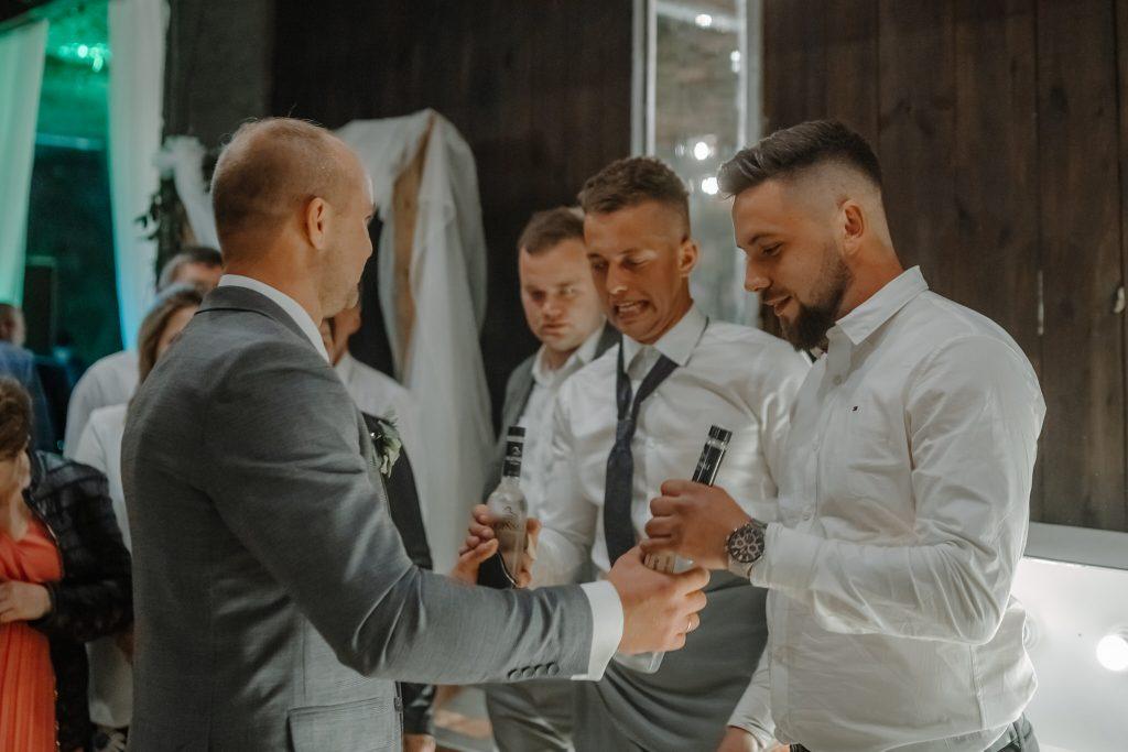 5 wesele rakowka reportaz slubny lubelskie 665 1024x683 - Wesele w stodole Biłgoraj | 15.05.2021
