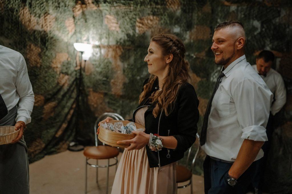 5 wesele rakowka reportaz slubny lubelskie 710 1024x683 - Wesele w stodole Biłgoraj | 15.05.2021