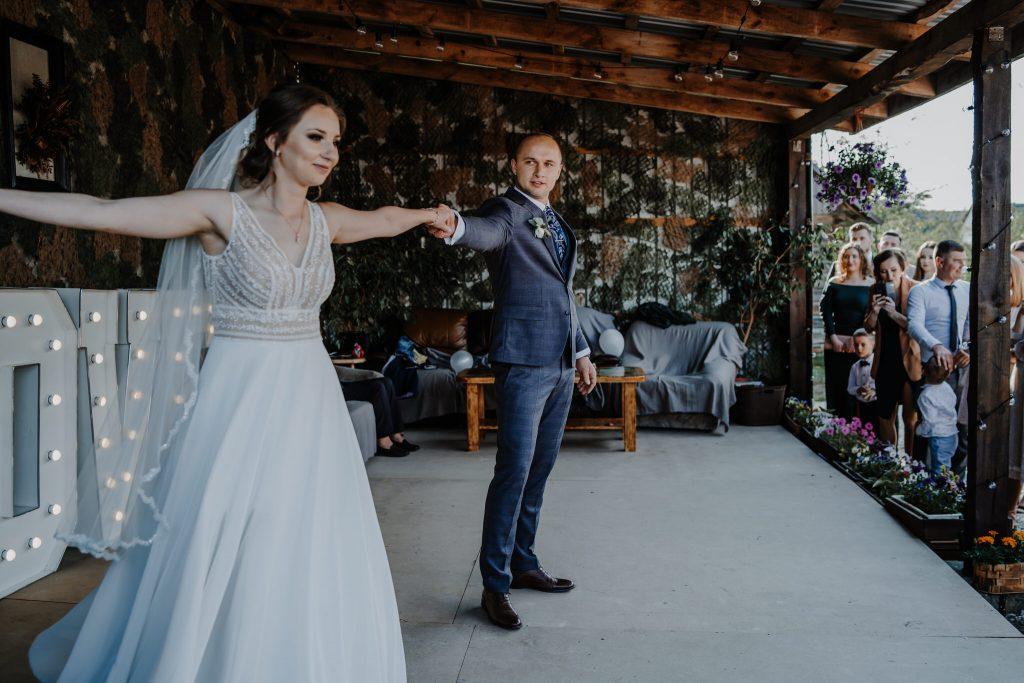5 wesele rakowka reportaz slubny lubelskie 85 1024x683 - Wesele w stodole Biłgoraj | 15.05.2021