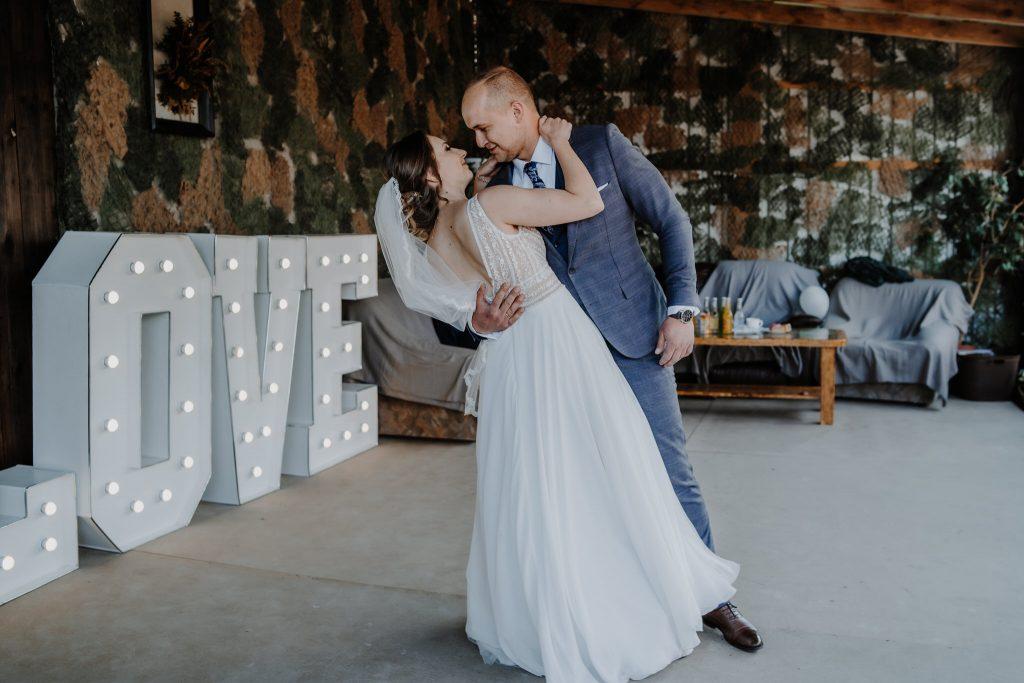 5 wesele rakowka reportaz slubny lubelskie 86 1024x683 - Wesele w stodole Biłgoraj | 15.05.2021