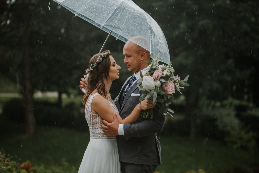 sesja slubna w deszczu zamosc agata marcin 28 1024x683 - Sesja Ślubna w deszczu | Zamość | 13.06.2021