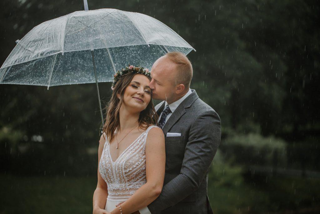 sesja slubna w deszczu zamosc agata marcin 30 1024x683 - Sesja Ślubna w deszczu | Zamość | 13.06.2021
