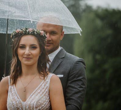 sesja slubna w deszczu zamosc agata marcin 31 396x360 - Agata + Marcin
