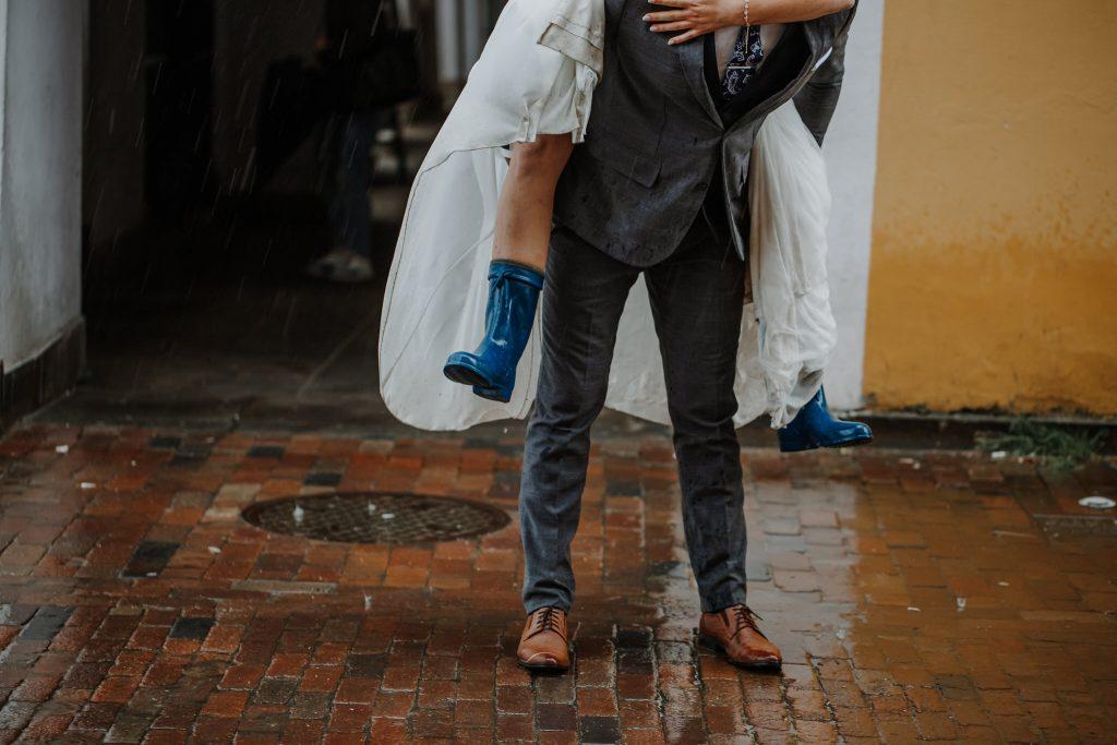 sesja slubna w deszczu zamosc agata marcin 54 1024x683 - Sesja Ślubna w deszczu | Zamość | 13.06.2021