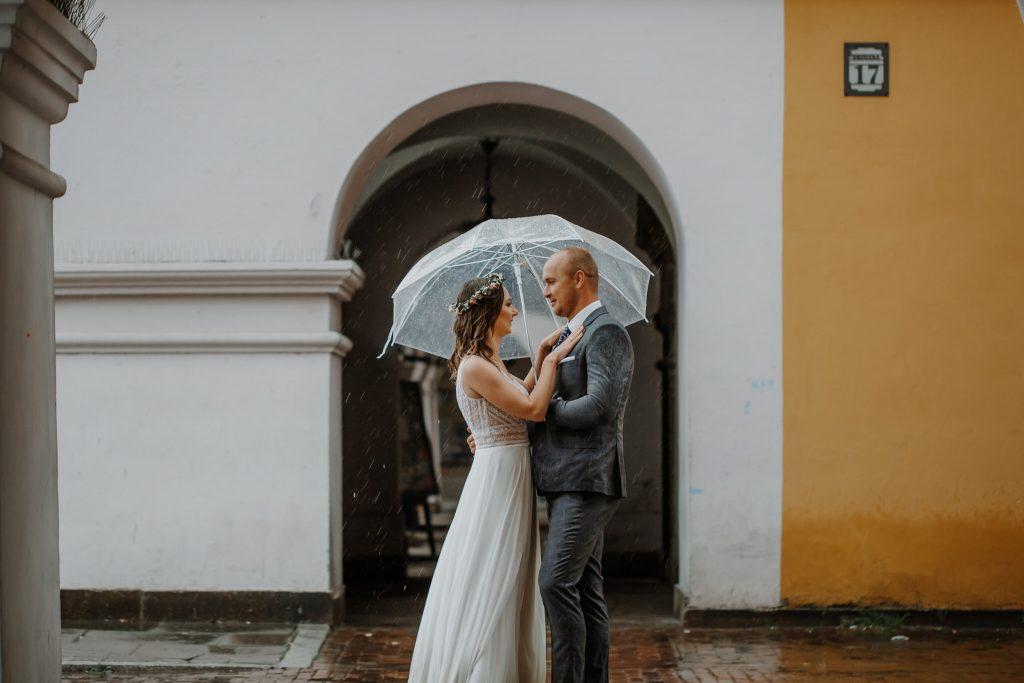 sesja slubna w deszczu zamosc agata marcin 57 1024x683 - Sesja Ślubna w deszczu | Zamość | 13.06.2021